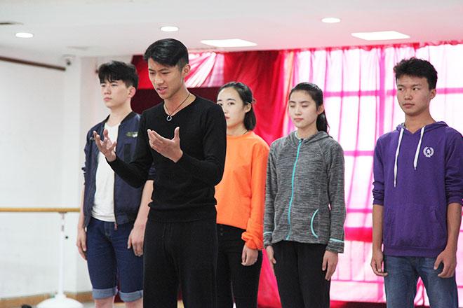北京星干线表演专业学员进行台词测试